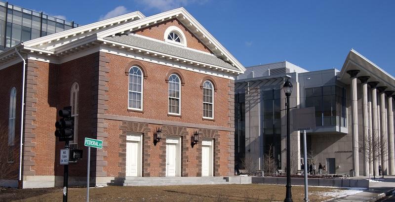 Salem Court Library
